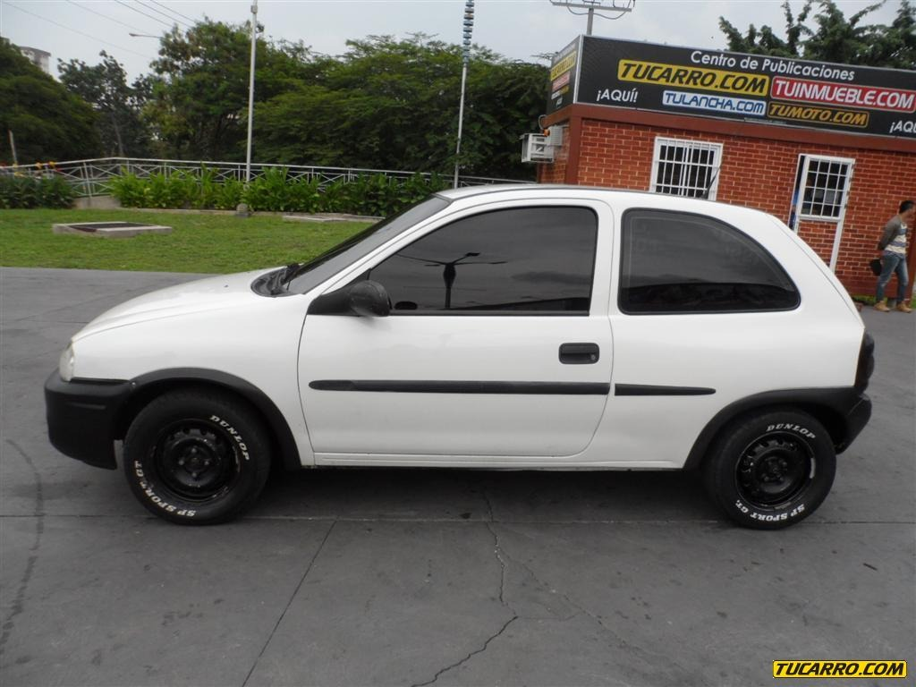 Chevrolet Corsa 2000 foto - 2