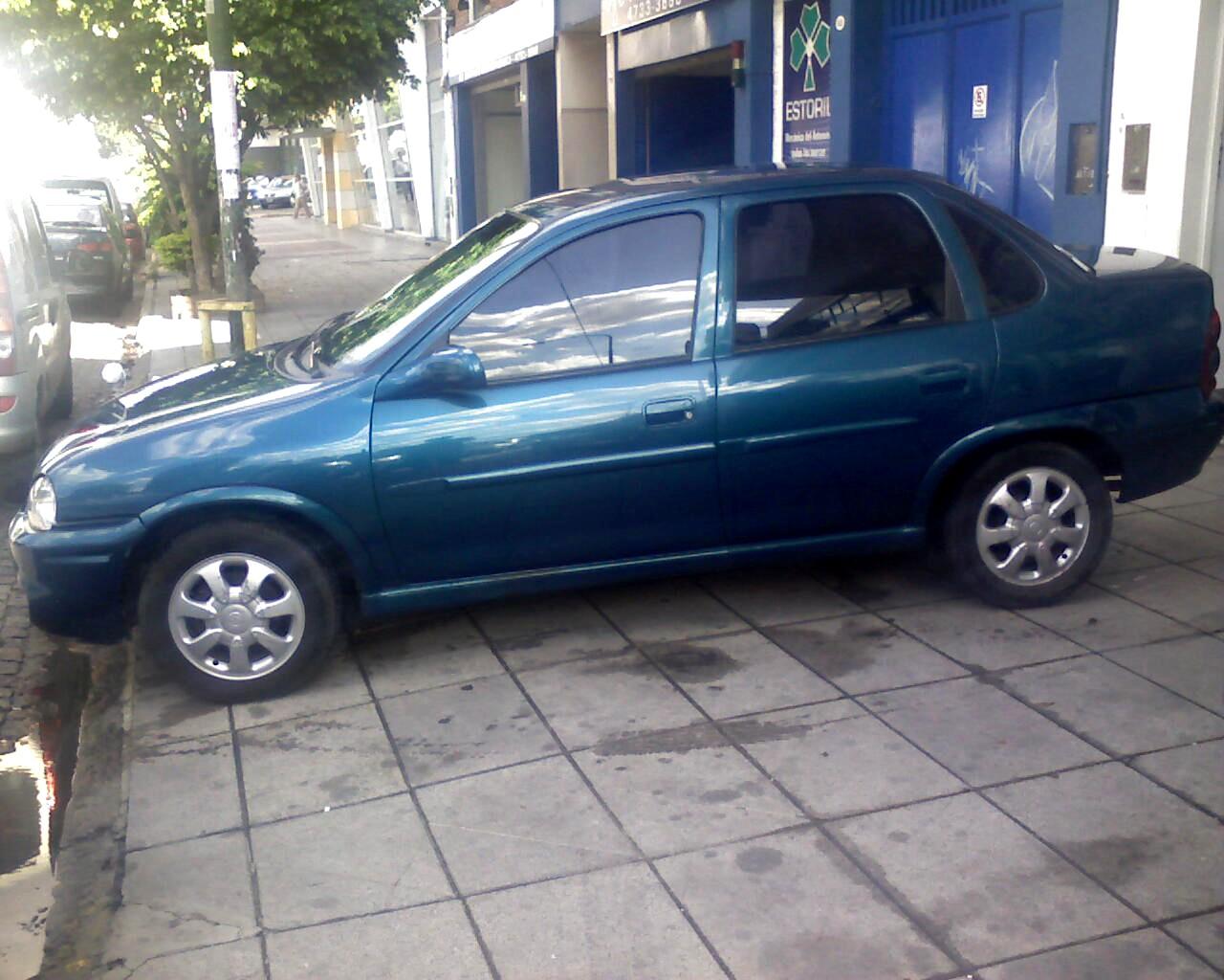 Chevrolet Corsa 2000 foto - 4