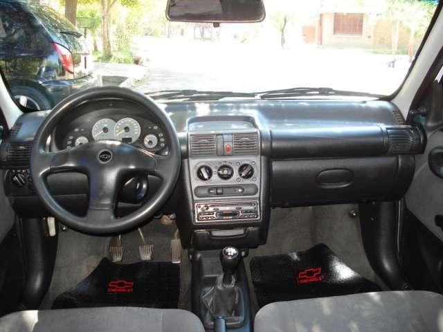 Chevrolet Corsa 2004 foto - 2