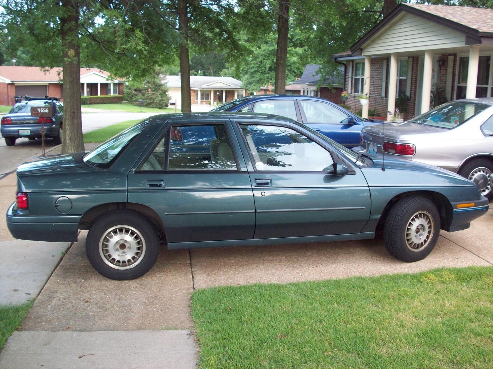 Chevrolet Corsica 1993 foto - 3