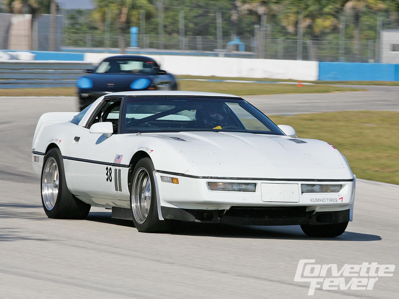 Chevrolet Corvette 1985 foto - 3
