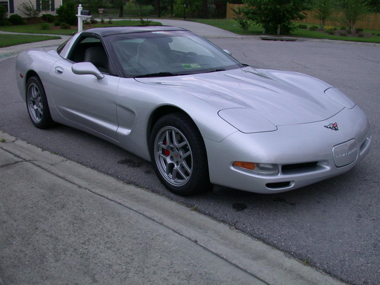 Chevrolet Corvette 1998 foto - 1