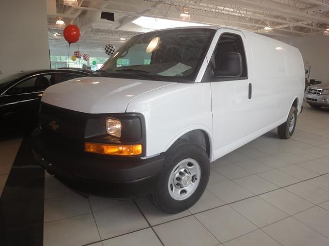 Chevrolet Express 2013 foto - 2
