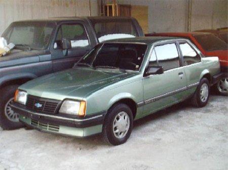 Chevrolet Monza 1985 foto - 1