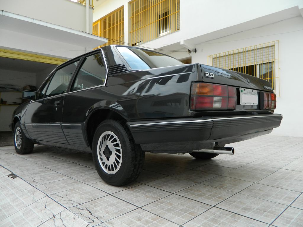 Chevrolet Monza 1989 foto - 1