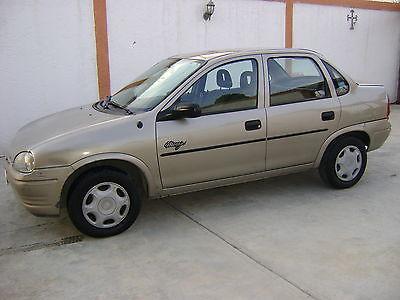 Chevrolet Monza 2000 foto - 1