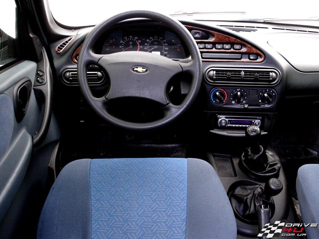Chevrolet Niva 2014 foto - 2