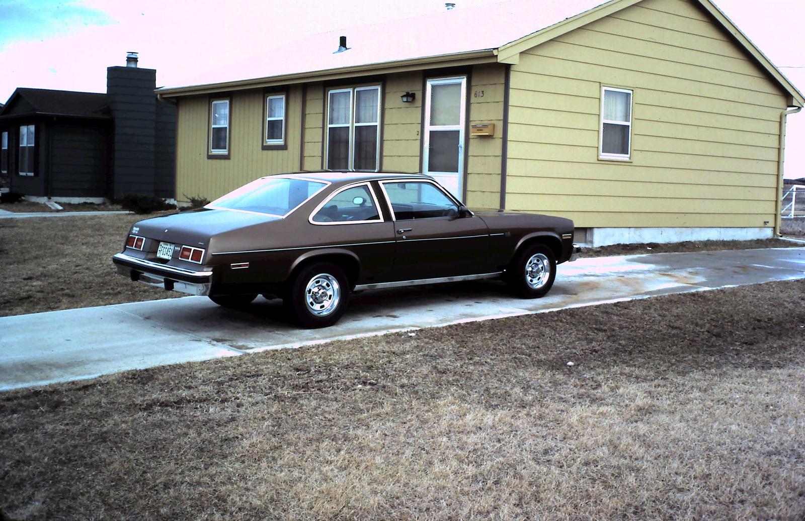 Chevrolet Nova 1975 foto - 1