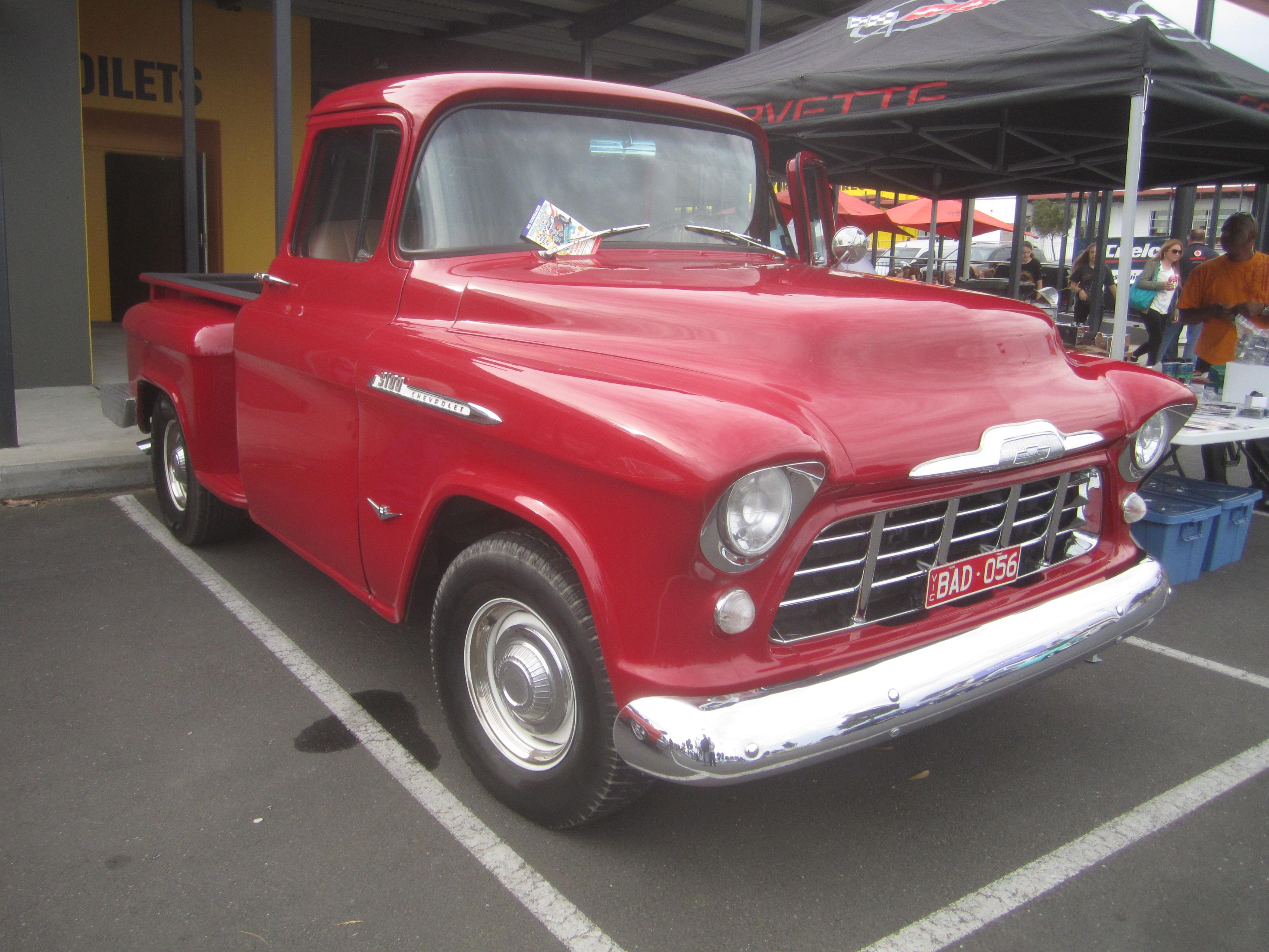 Chevrolet Pickup 1956 foto - 2