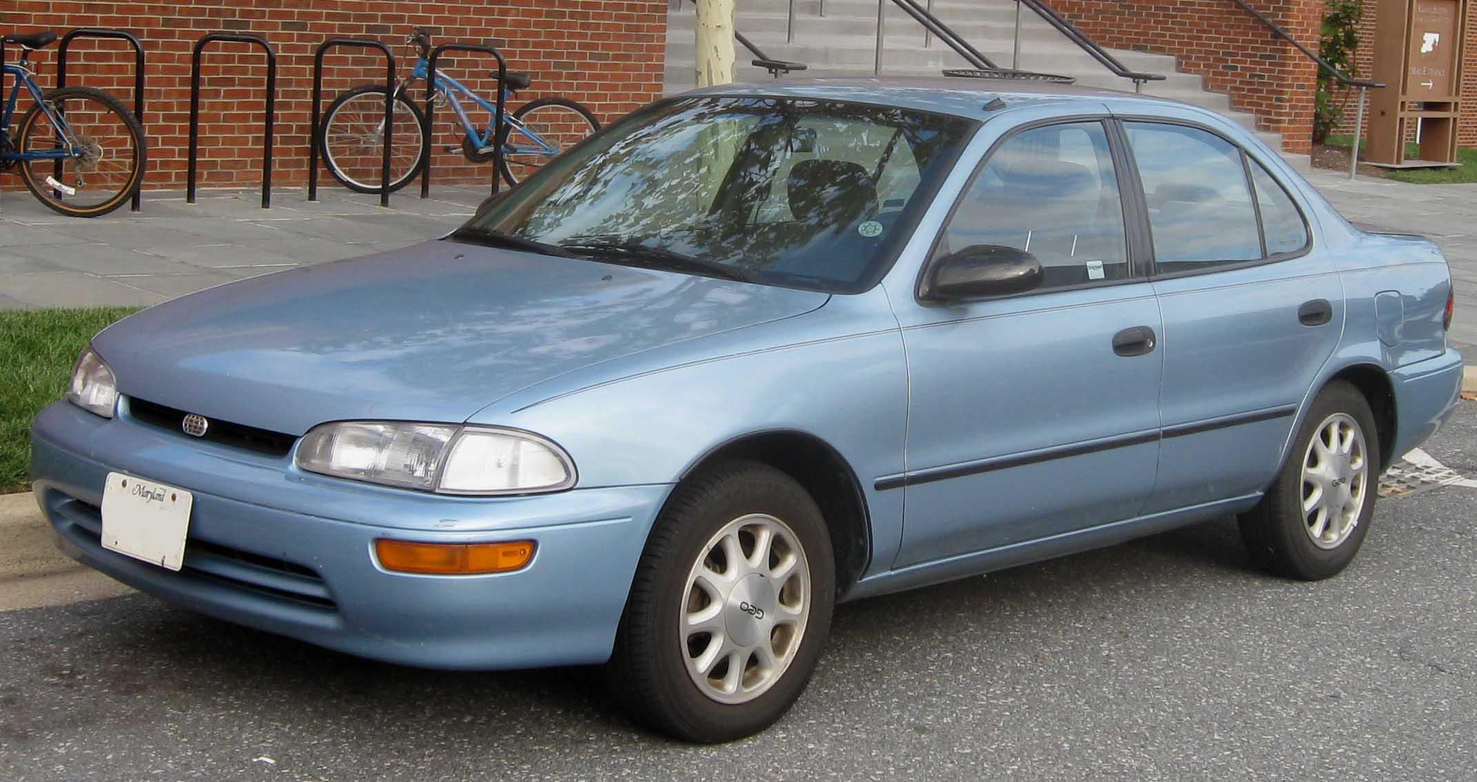Chevrolet Prizm 2002 foto - 5