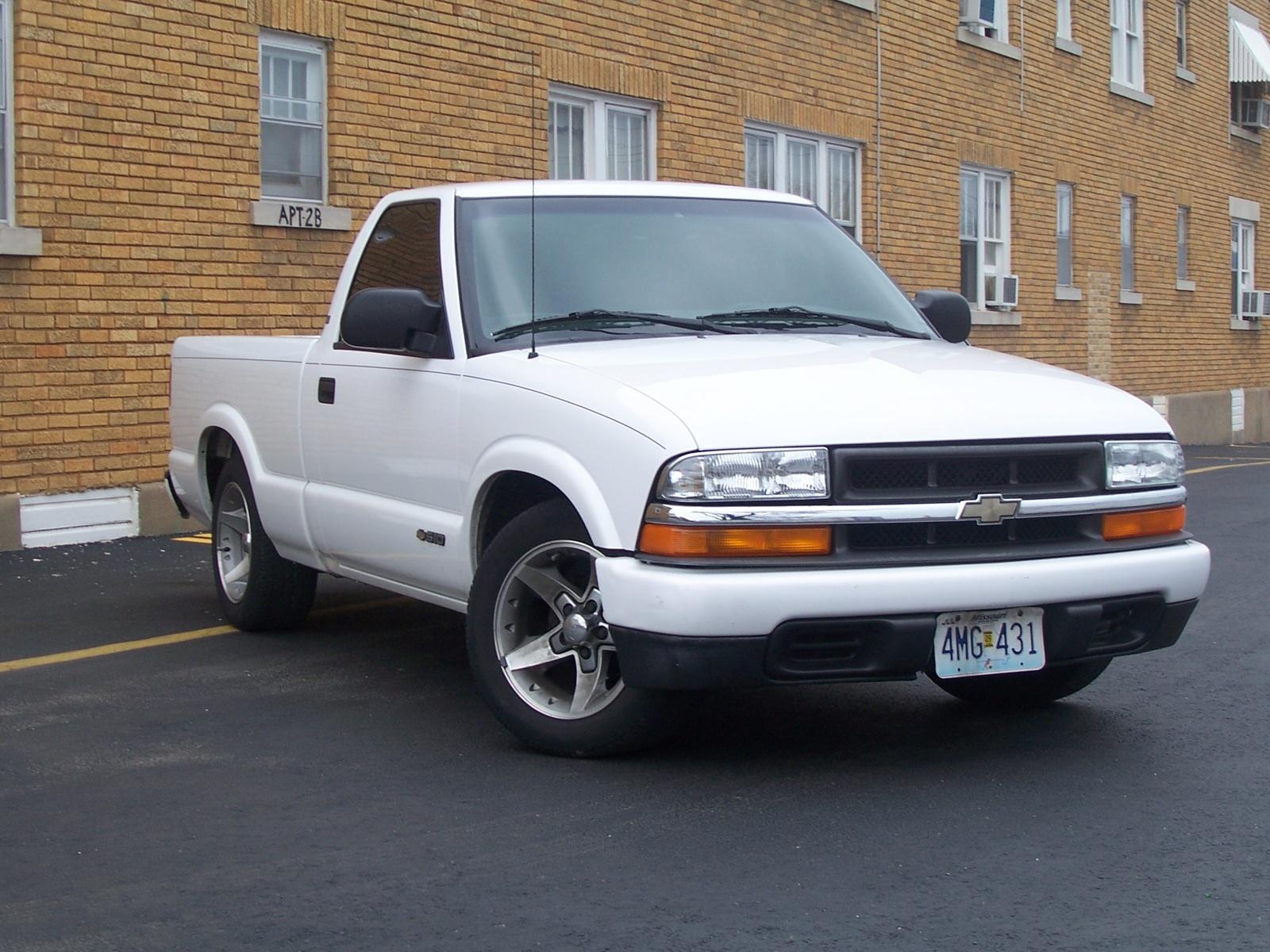 Chevrolet S 10 2003 foto - 1