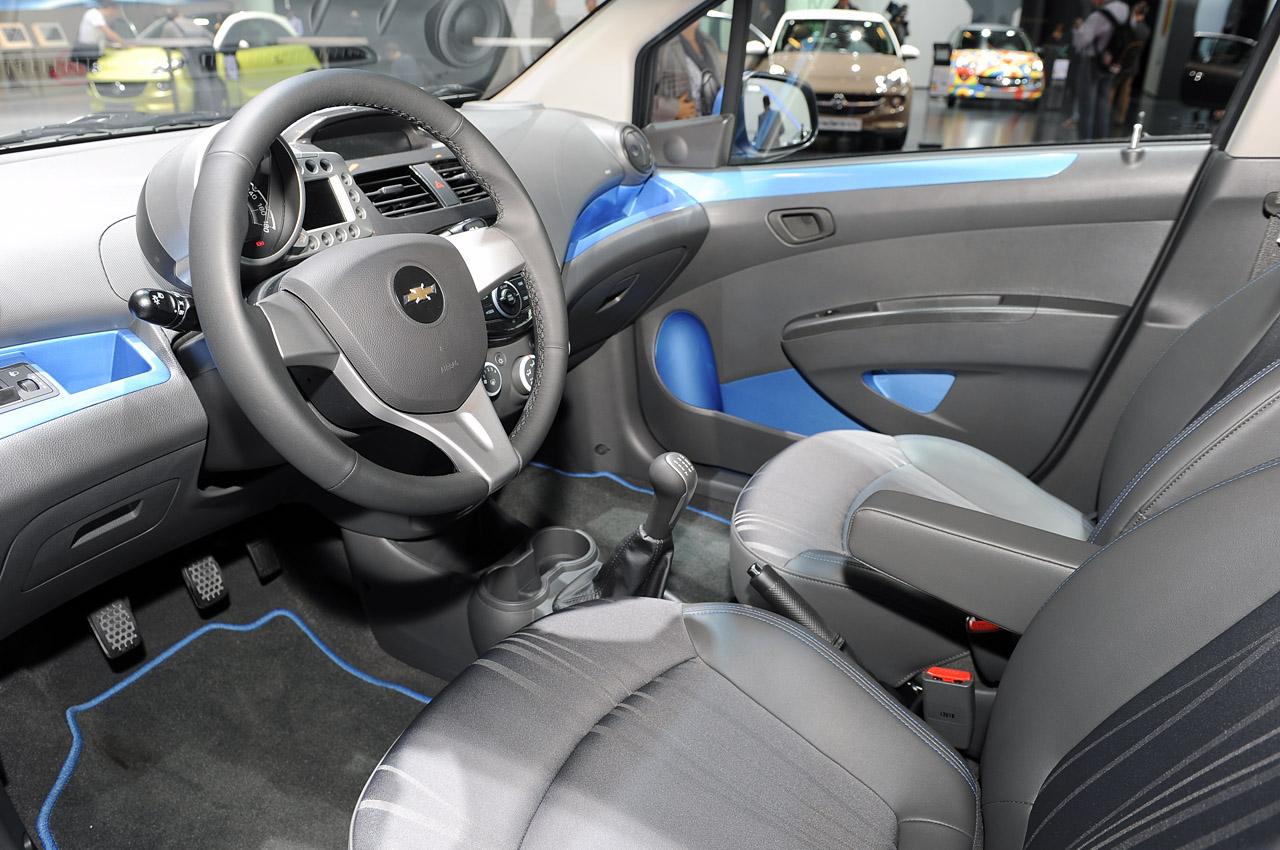 Chevrolet Spark 2013 foto - 2
