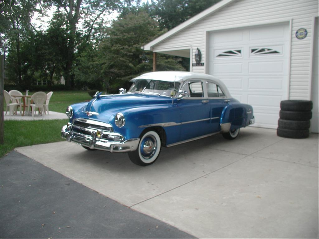 Chevrolet Styleline 1951 foto - 1