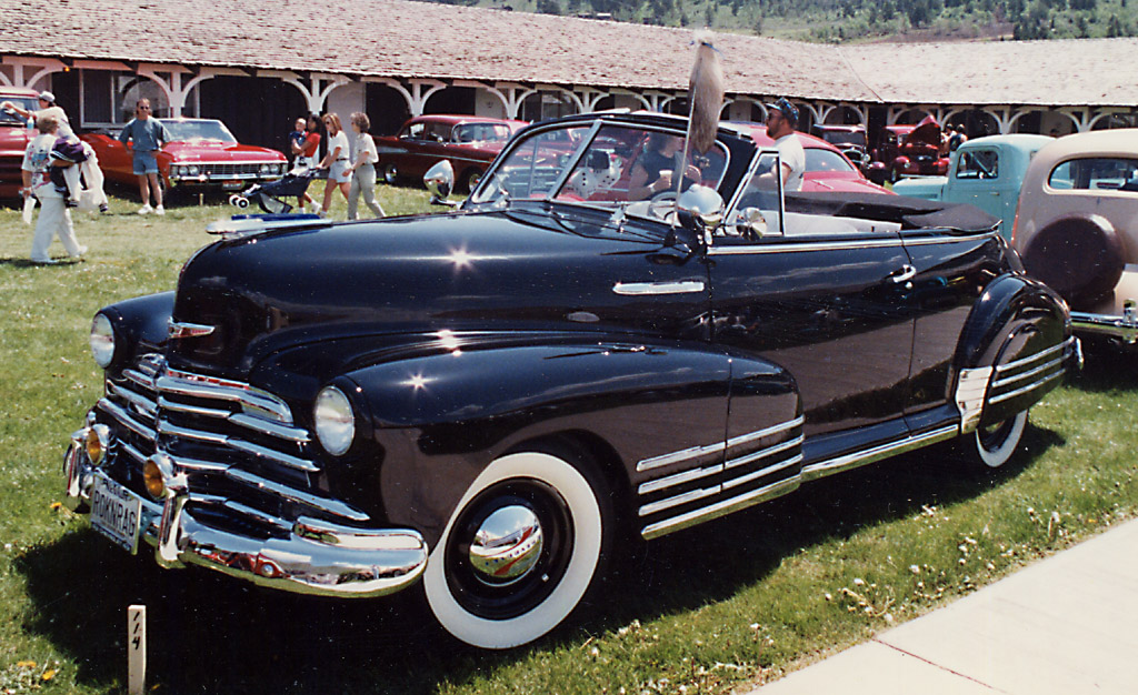 Chevrolet Suburban 1948 foto - 3