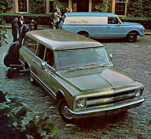 Chevrolet Suburban 1970 foto - 1
