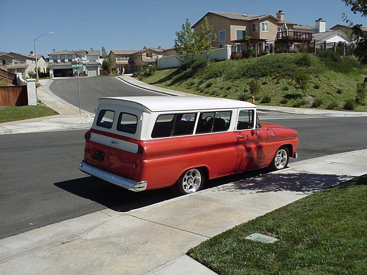 Chevrolet Suburban 1988 foto - 3