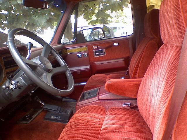 Chevrolet Suburban 1990 foto - 2