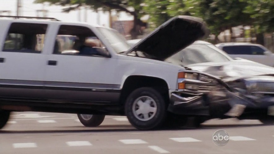 Chevrolet Suburban 1997 foto - 4