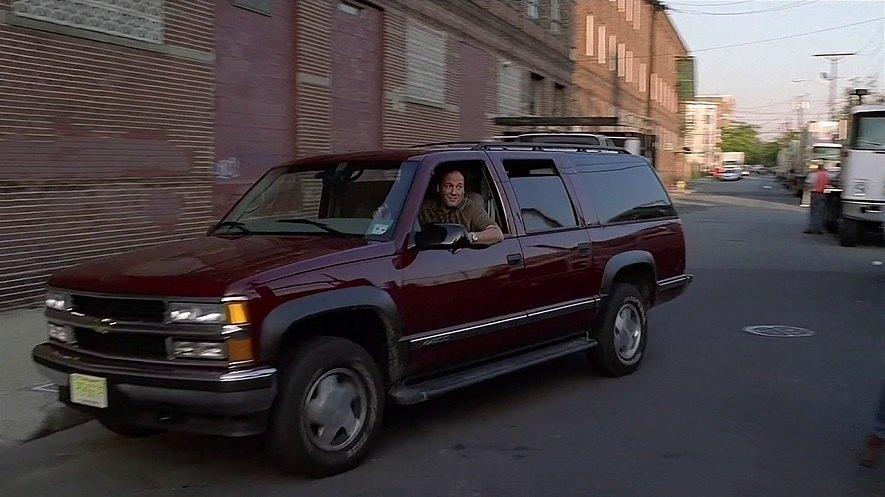 Chevrolet Suburban 1999 foto - 1