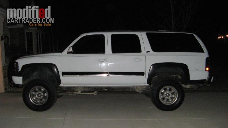 Chevrolet Suburban 2000 foto - 5