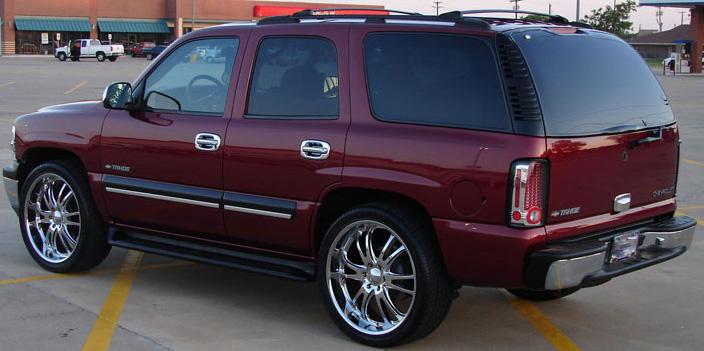 Chevrolet Suburban 2002 foto - 3