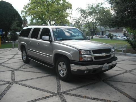 Chevrolet Suburban 2005 foto - 2
