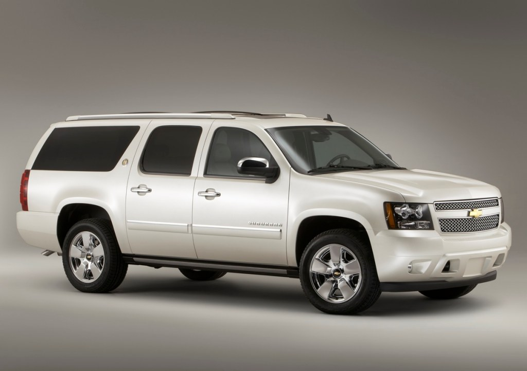 Chevrolet Suburban 2011 foto - 4