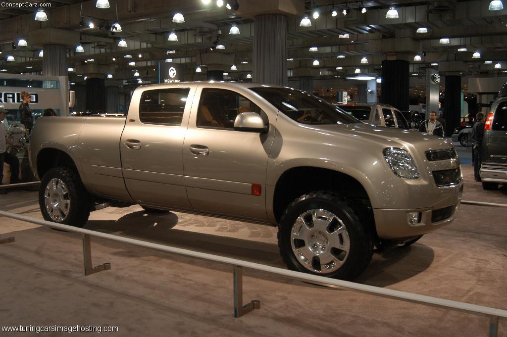 Chevrolet Suburban 2013 foto - 1