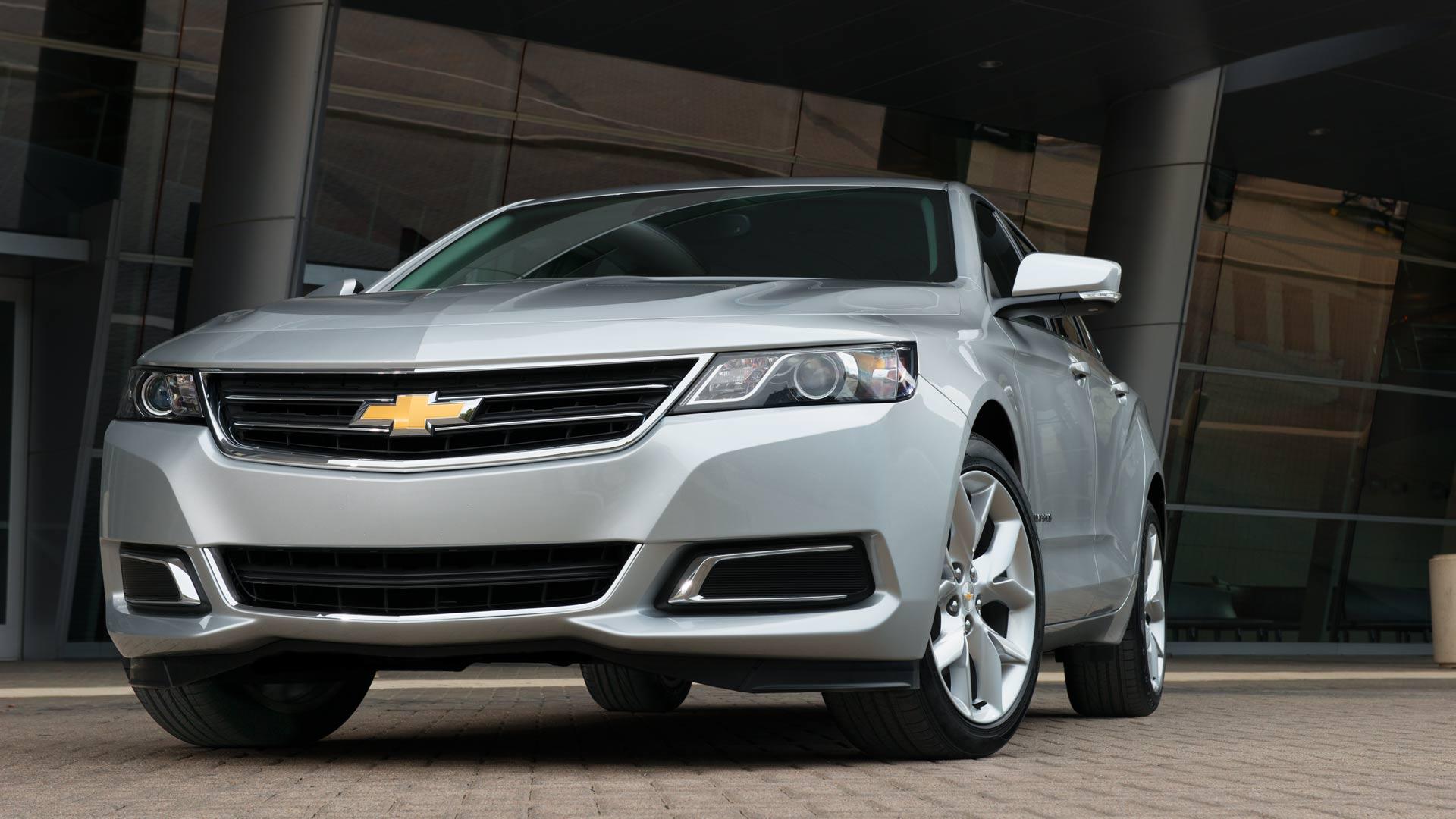 Chevrolet Suburban 2014 foto - 4