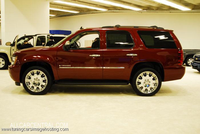 Chevrolet Tahoe 2014 foto - 1