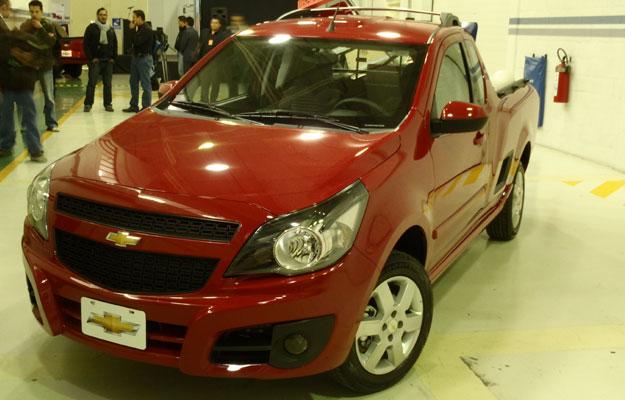 Chevrolet Tornado 2012 foto - 2