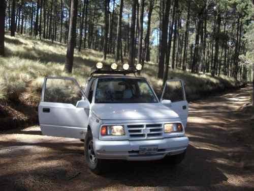Chevrolet Tracker 1998 foto - 3