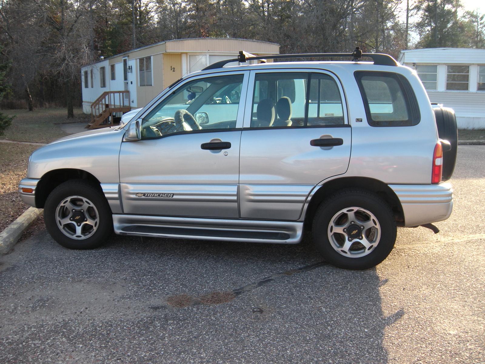 Chevrolet Tracker 2002 foto - 1