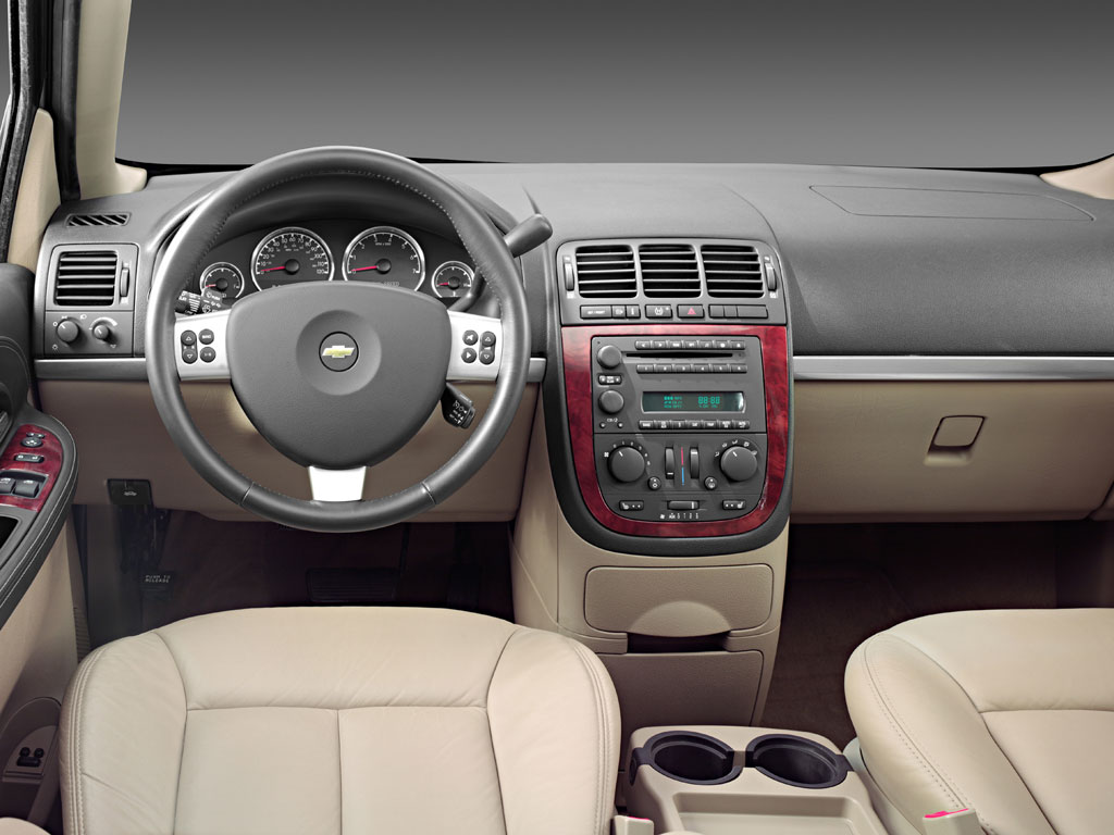 Chevrolet Uplander 2007 foto - 2