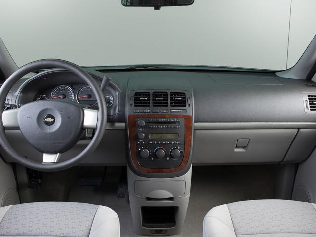 Chevrolet Uplander 2009 foto - 2