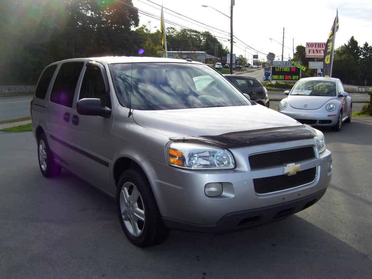 Chevrolet Uplander 2012 foto - 3