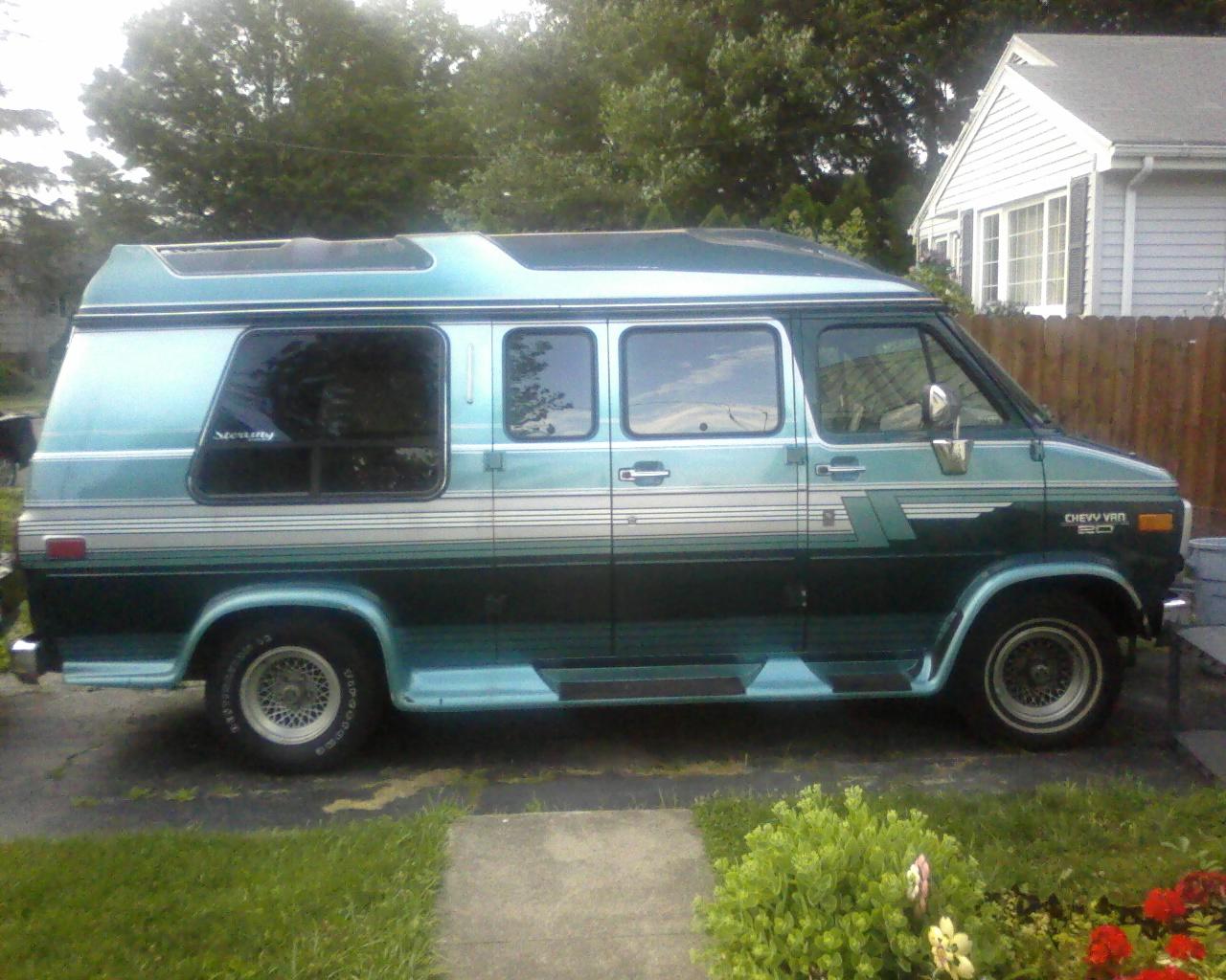 Chevrolet Van 1998 foto - 2