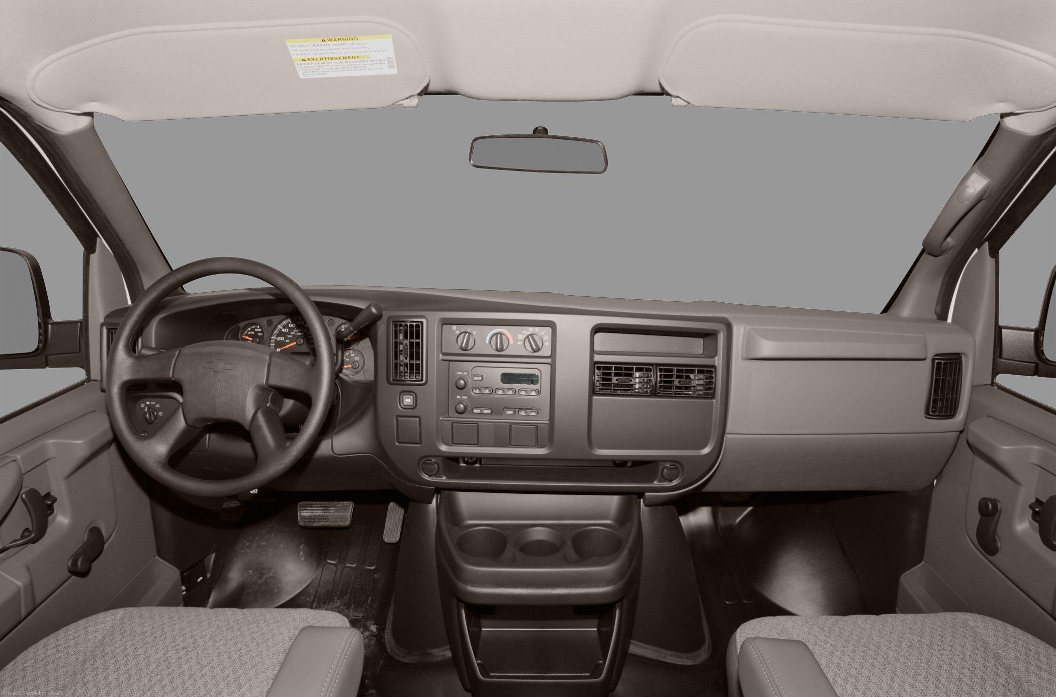 Chevrolet Van 2010 foto - 3