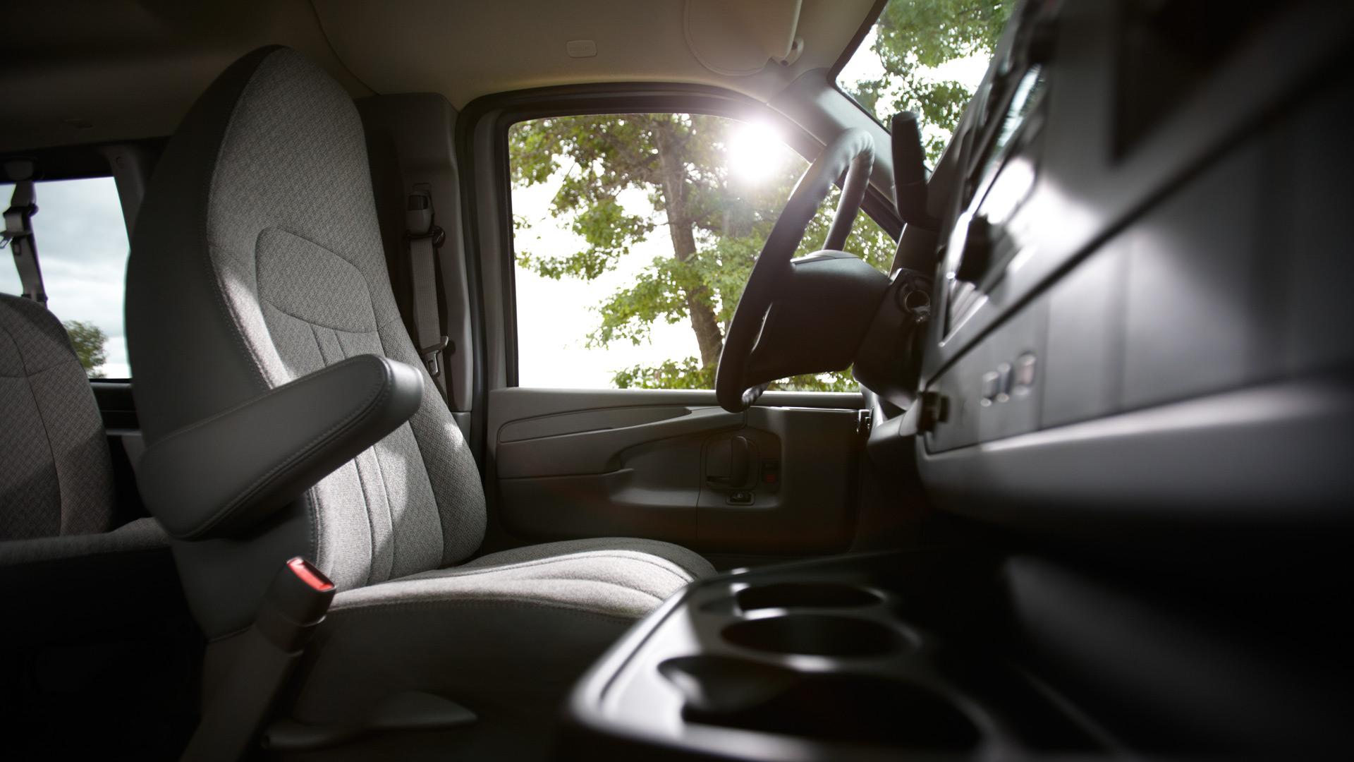 Chevrolet Van 2013 foto - 2