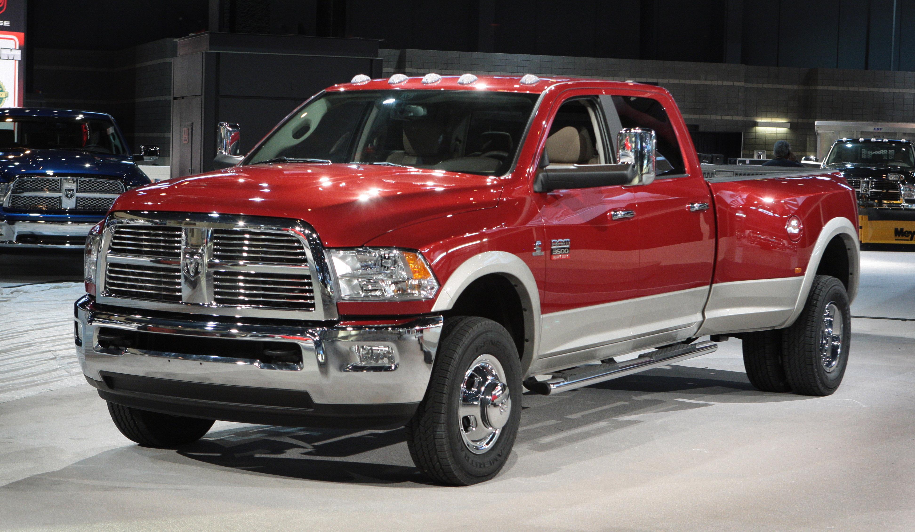 Dodge 3500 2015 foto - 1