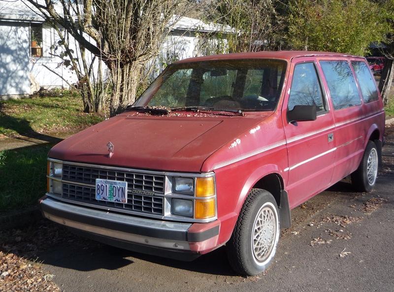 Dodge Caravan 1984 foto - 4