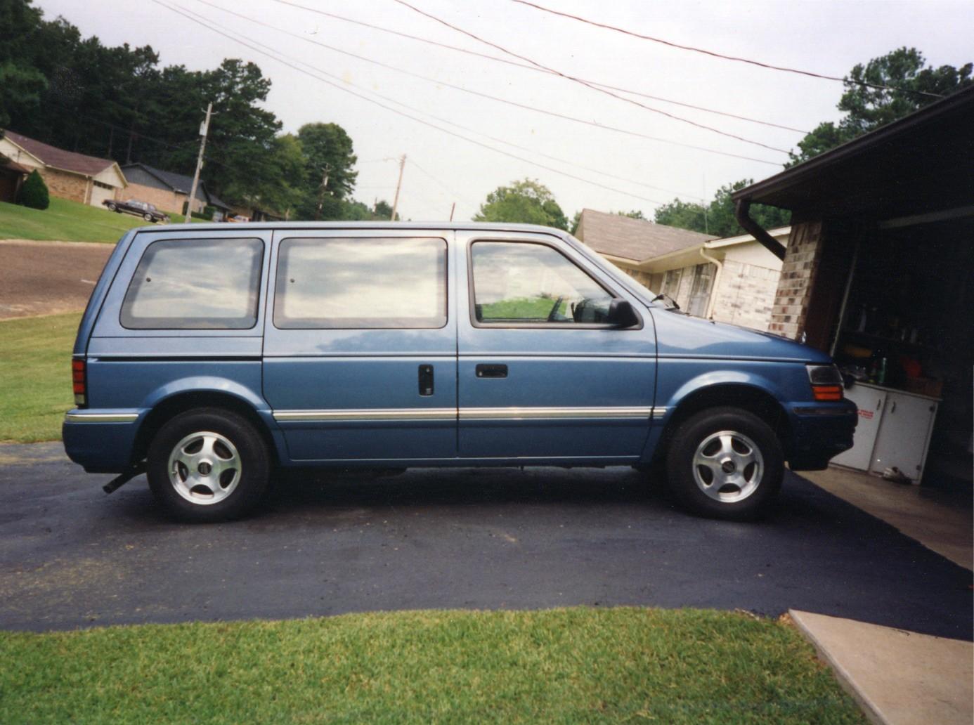 Dodge Caravan 1993 foto - 1