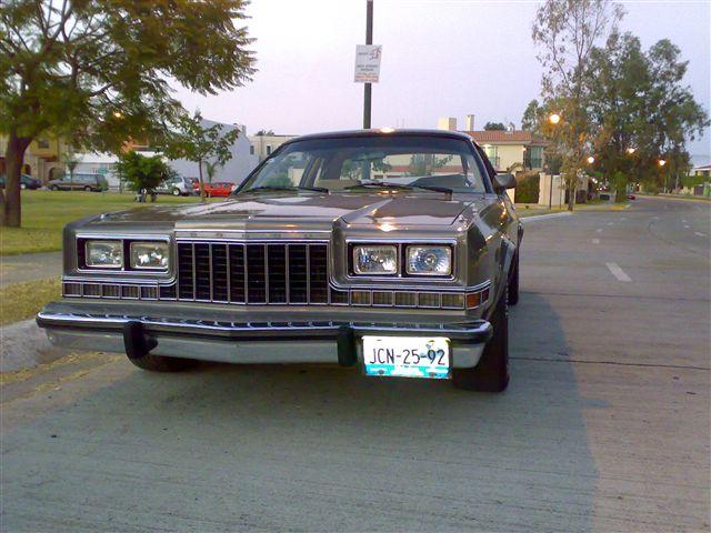 Dodge Dart 1982 foto - 1