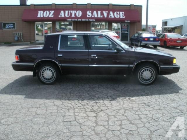 Dodge Dynasty 1990 foto - 2