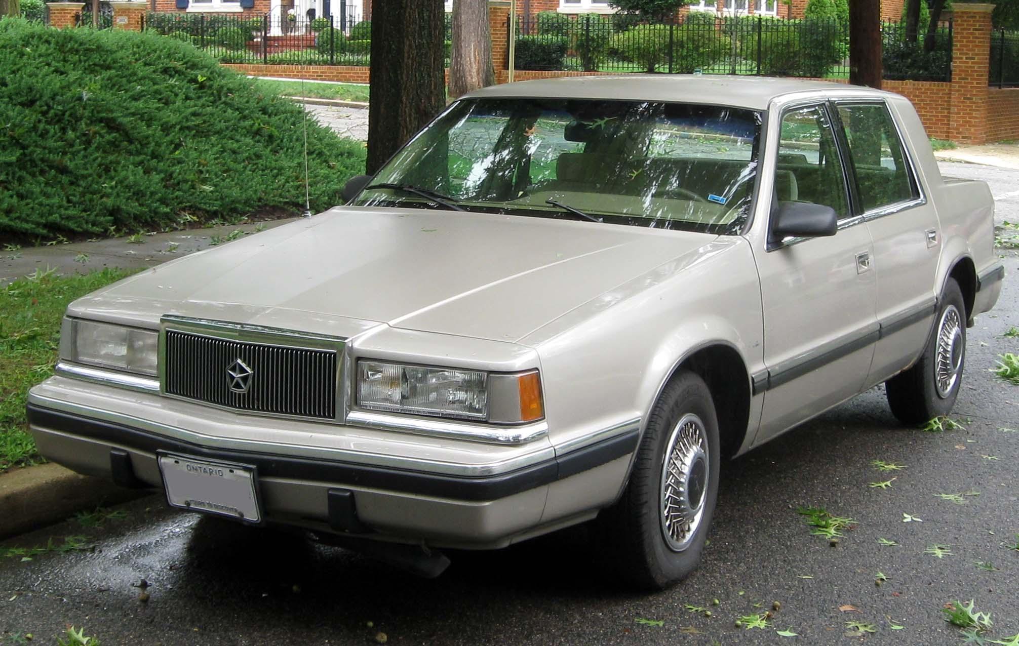 Dodge Dynasty 1991 foto - 4