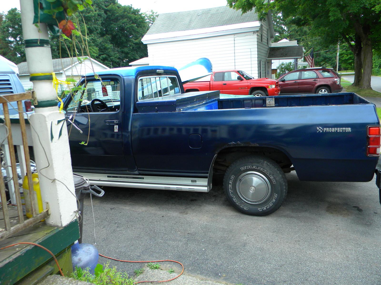 Dodge Ram 1984 foto - 5