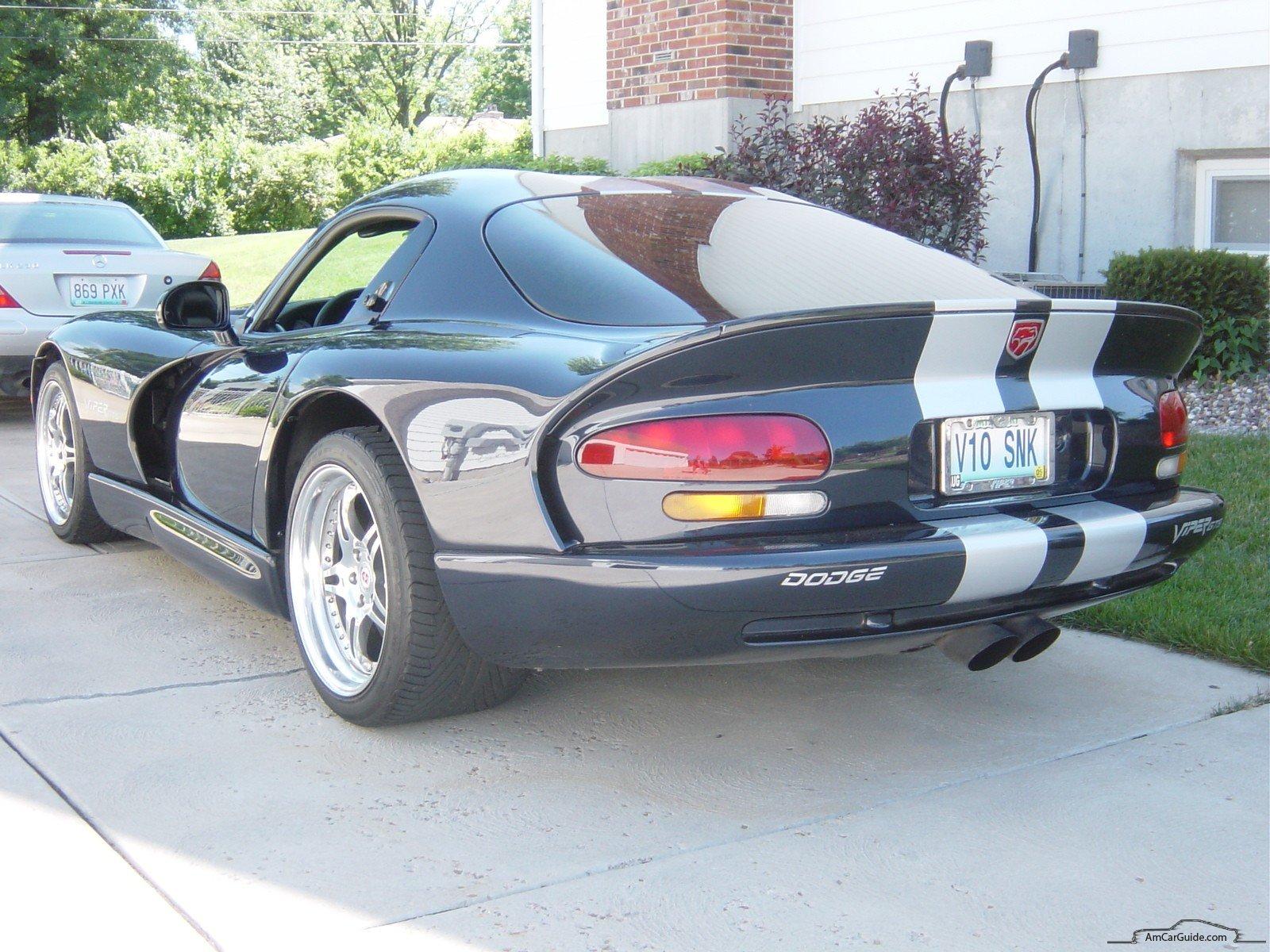Dodge Viper 1996 foto - 1