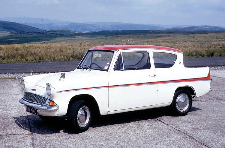 Ford Anglia 1955 foto - 3