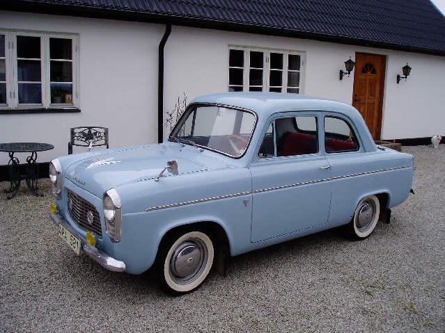 Ford Anglia 1956 foto - 3