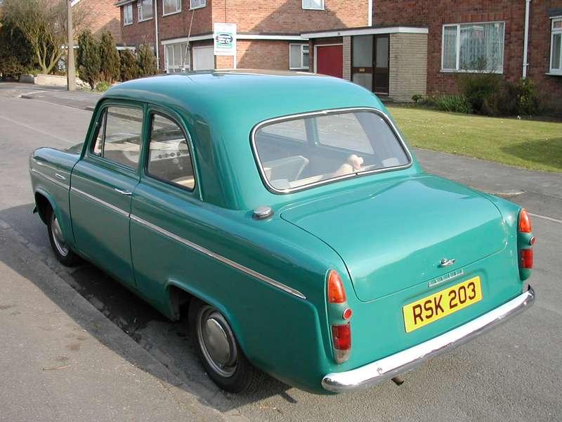 Ford Anglia 1957 foto - 5